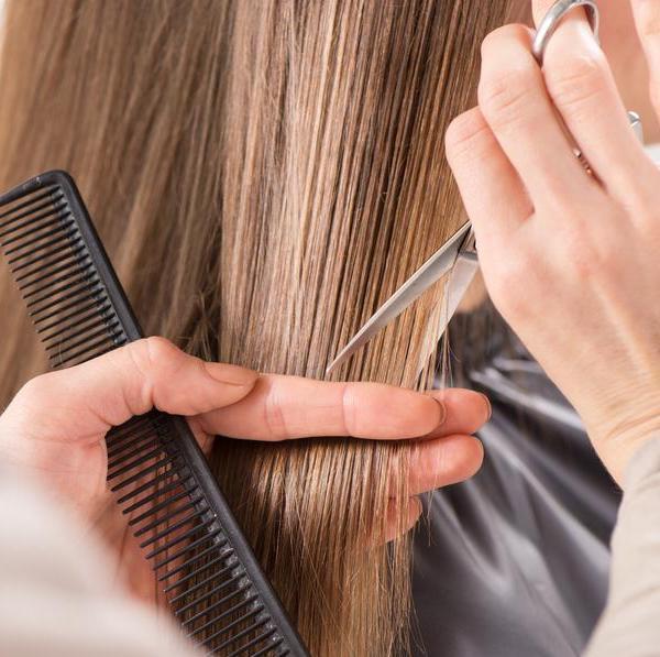Quando tagliare i capelli  5 segnali che è il momento di cambiare ... 35a097df4a83